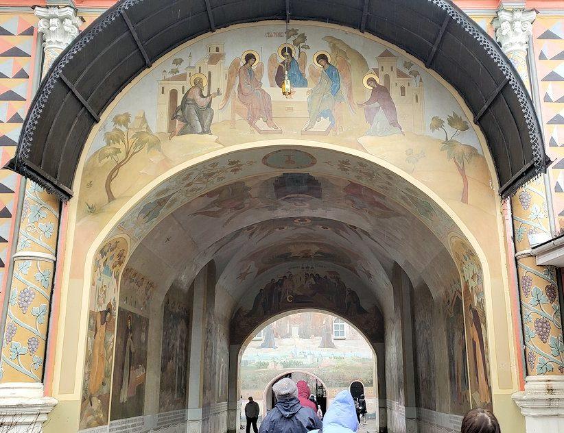 トロイツェ・セルギエフ大修道院にある建物-2