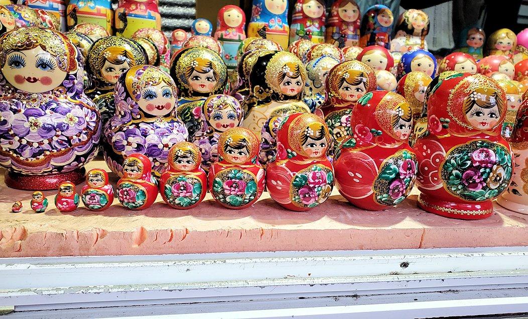トロイツェ・セルギエフ大修道院近くにあるマトリョーシカ売り場にあったマトリョーシカ-2