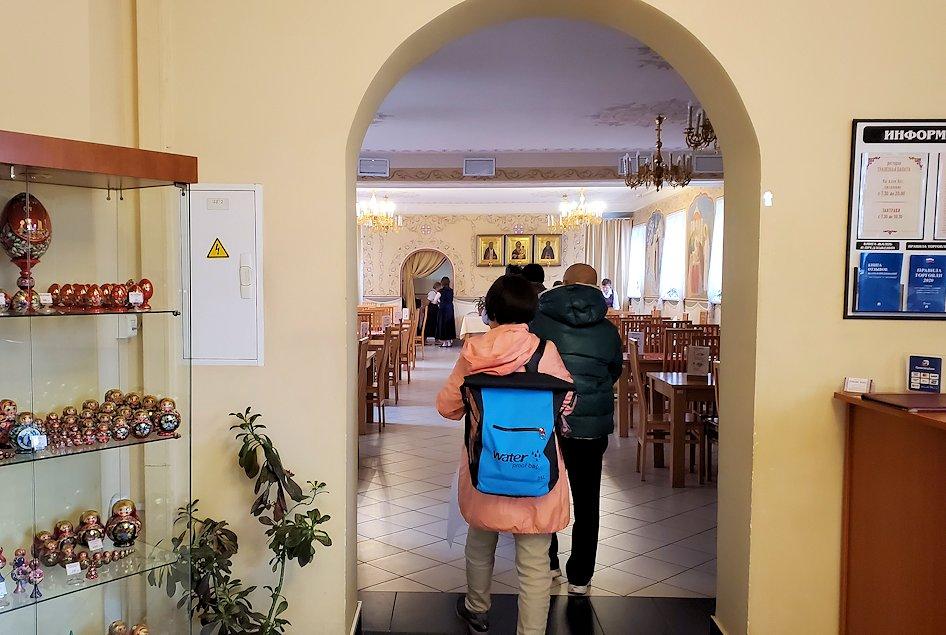 セルギエフ・ポサードにあるレストラン「トラペスナヤ・パラタ」