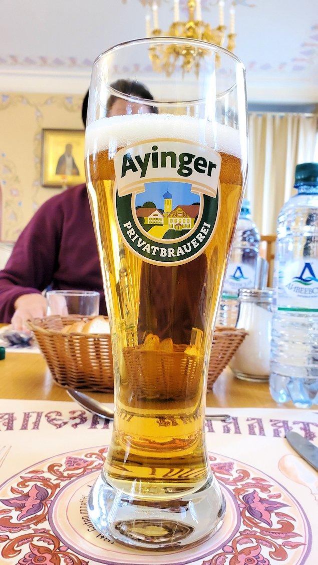 レストラン「トラペスナヤ・パラタ」で出てきたビール