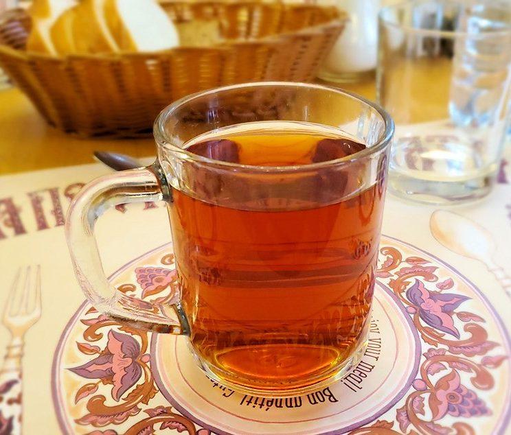 レストラン「トラペスナヤ・パラタ」で出てきた紅茶