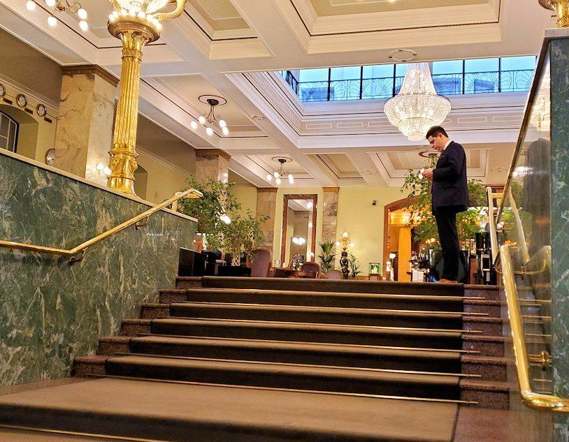 モスクワ市内中心部にある「メトロポール・ホテル」-2
