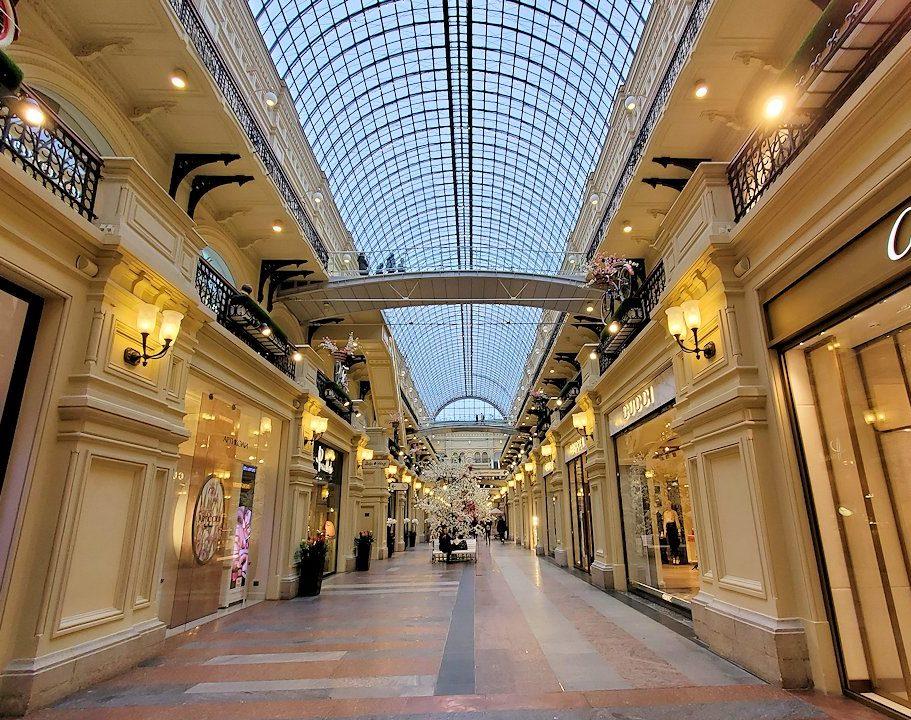 モスクワ市内にあるグム百貨店内で見かけた景色