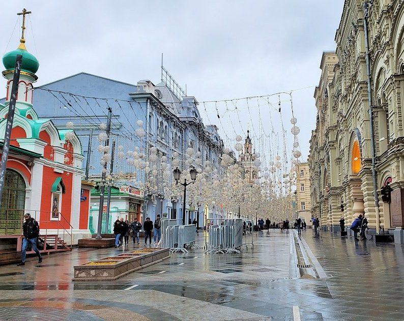 赤の広場周辺にあるグム百貨店脇の景色
