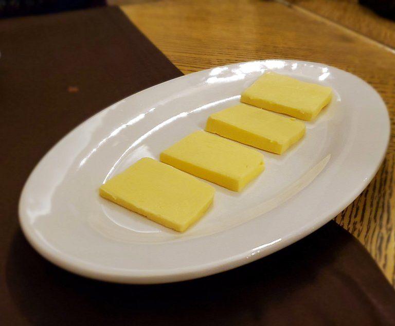 【レストラン】アルヒテクトルで出てきたマーガリン