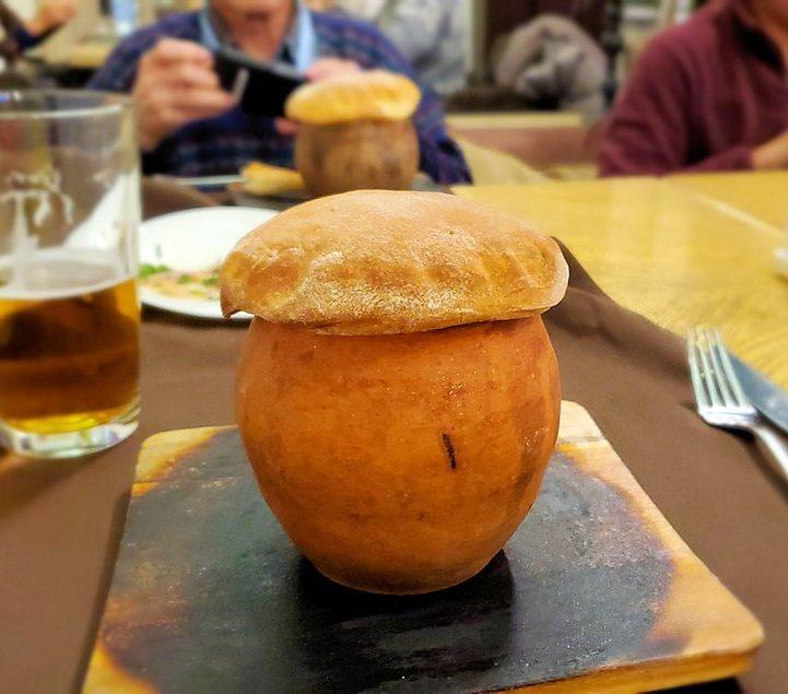 【レストラン】アルヒテクトルで出てきた「ガルショーク(горшок)」という壺焼き料理