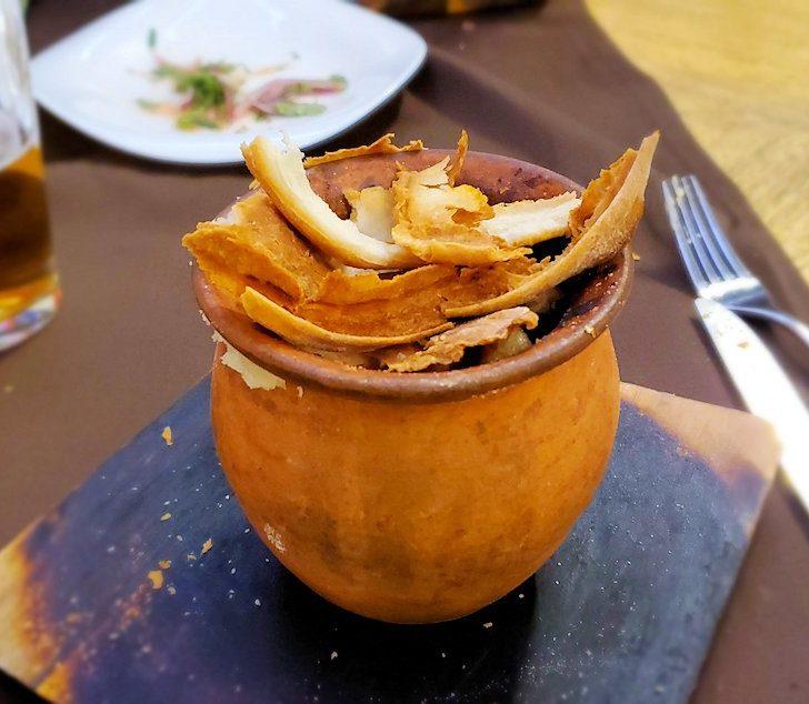 「ガルショーク(горшок)」と壺焼き料理を食べる