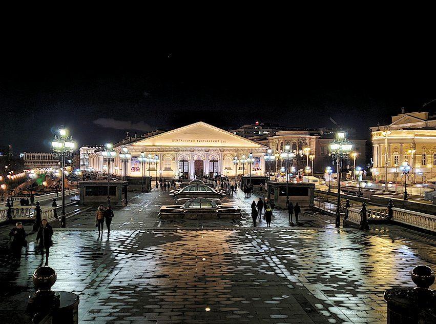 夜のマネージュ広場周辺の景色-5