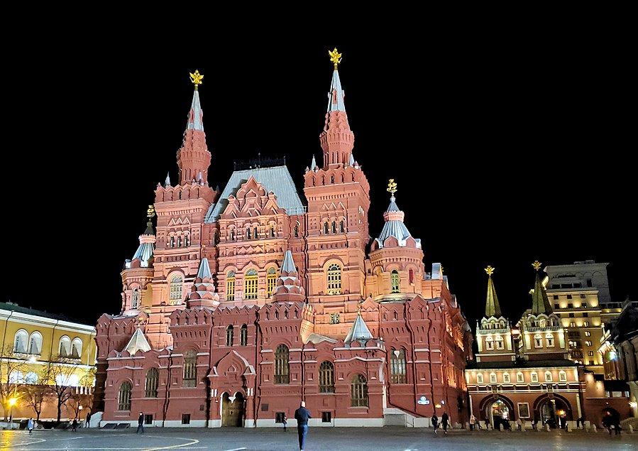 夜の赤の広場周辺にある建物