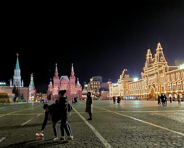 夜のライトアップされた、赤の広場周辺