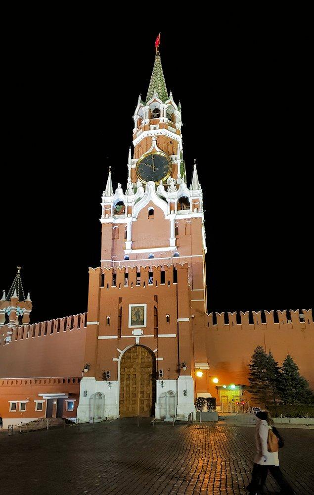夜のライトアップされた、赤の広場周辺-2
