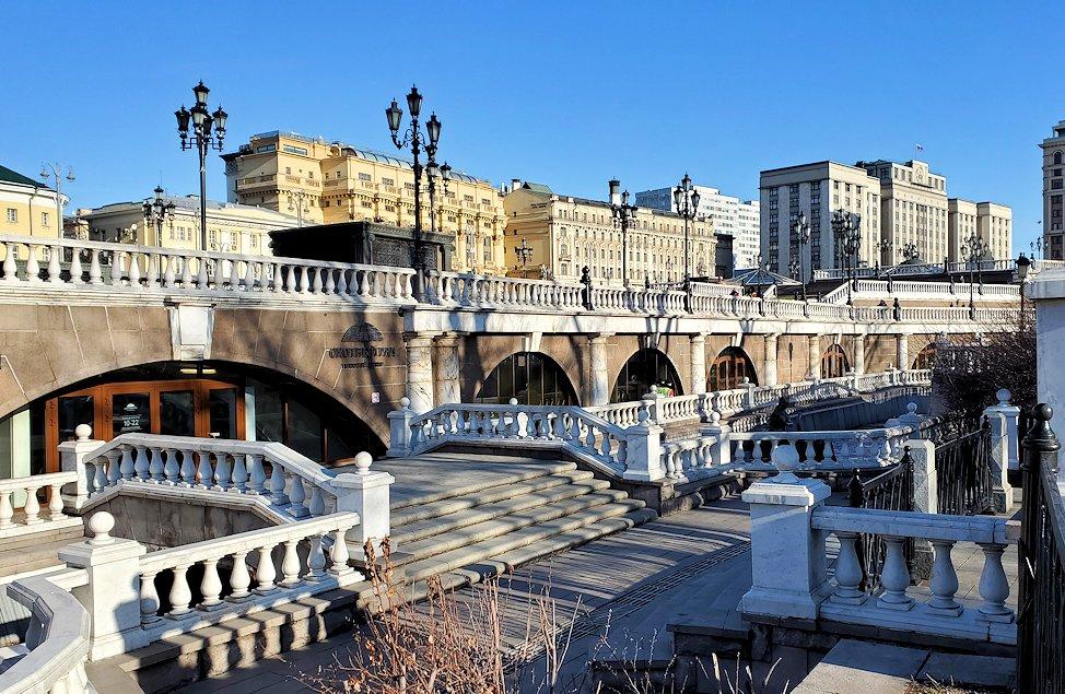 モスクワのクレムリン周辺にあるマネージュ広場にあった人工河川-2