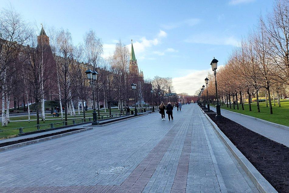 クレムリン周辺にあるアレクサンドロフスキー庭園を散策