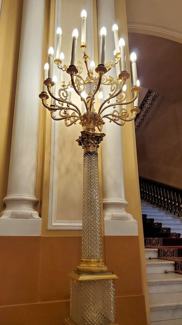 クレムリンの武器庫内の入口に飾られているライト