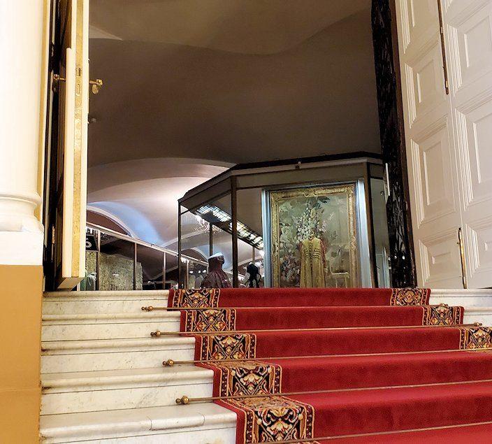 クレムリンの武器庫内の入口から見えた、エカテリーナ二世のドレス