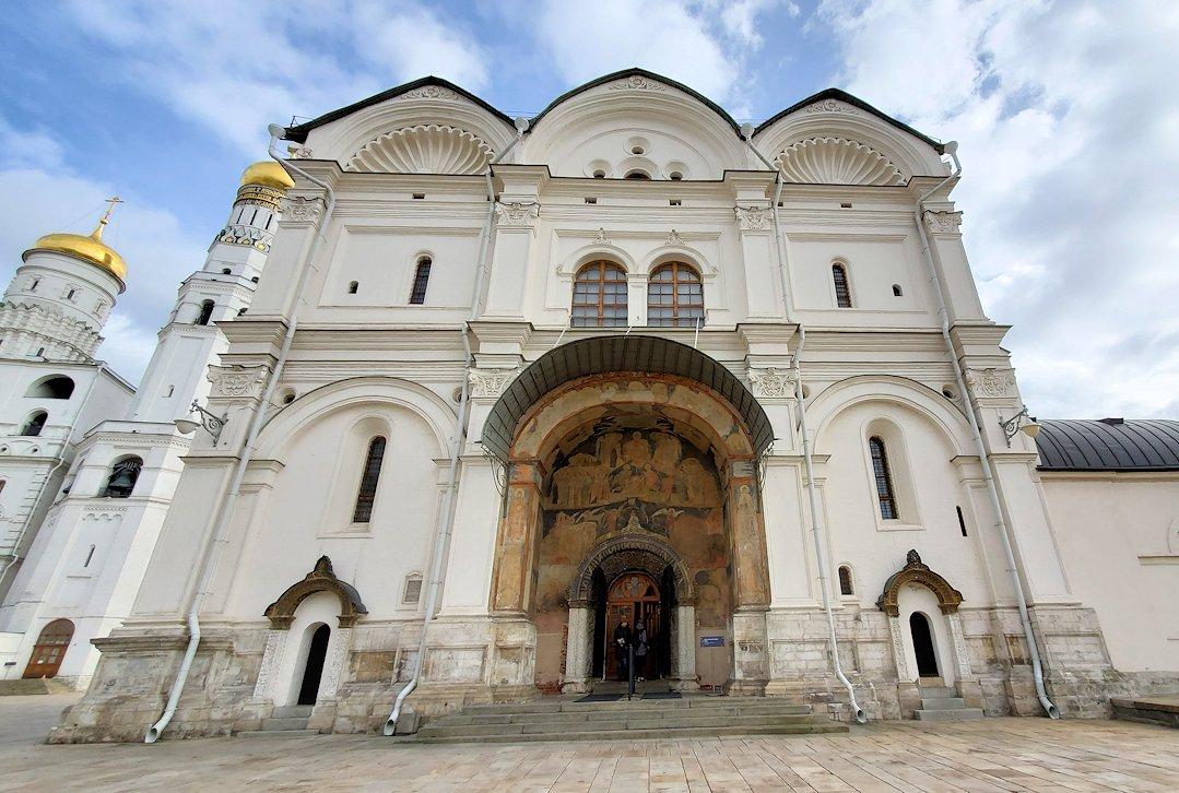 モスクワのクレムリン内にあるアルハンゲリスキー大聖堂