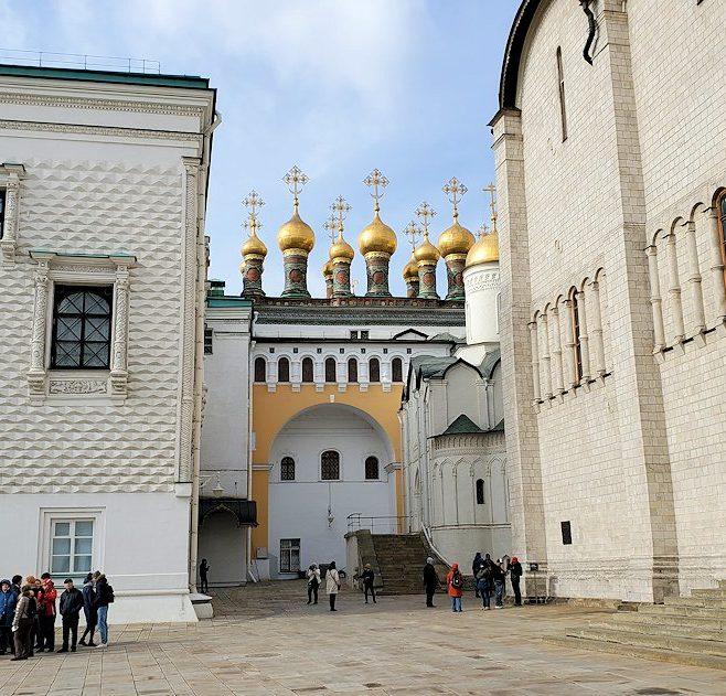 モスクワのクレムリン内にあるヴェルホスパッスキー聖堂