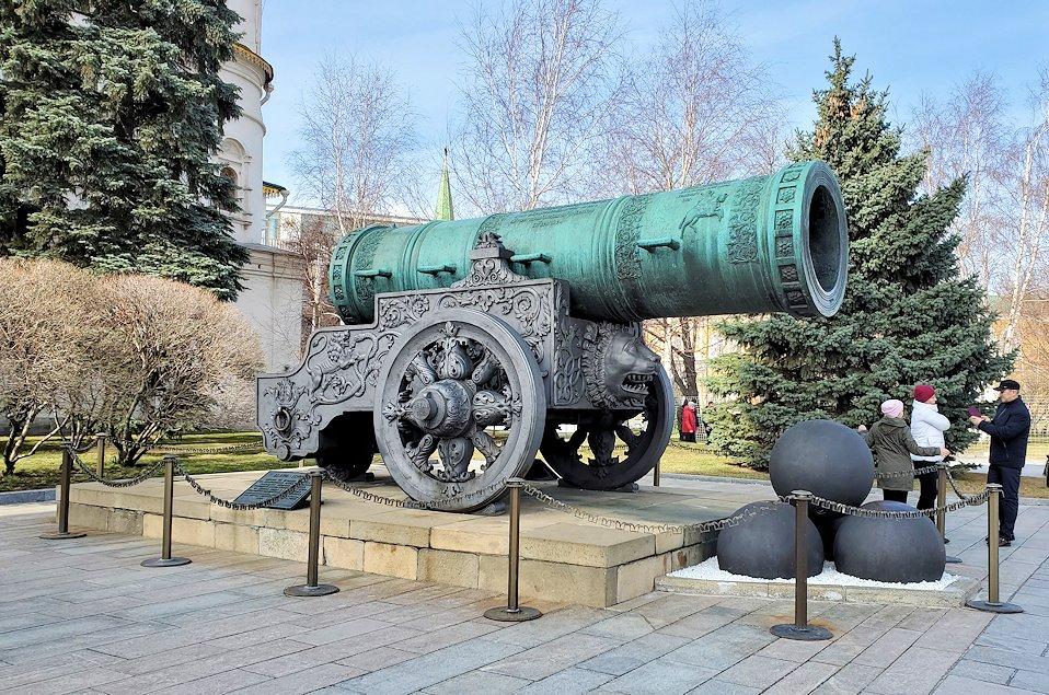 モスクワのクレムリン内にあった「大砲の皇帝(ツァーリ・プーシュカ)」