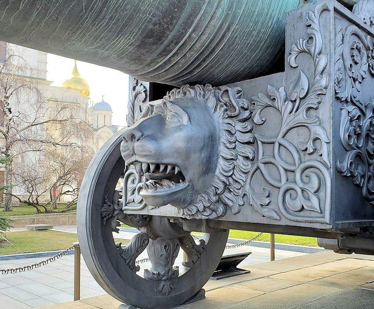 クレムリン内にあった「大砲の皇帝(ツァーリ・プーシュカ)」の土台のドアップ