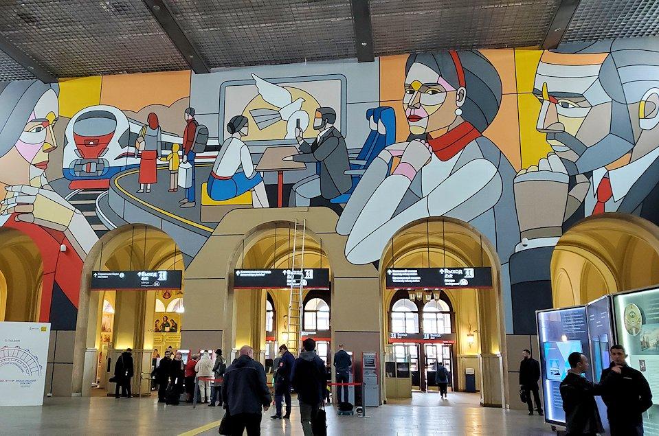 レニングラーツキー駅の構内の景色-3