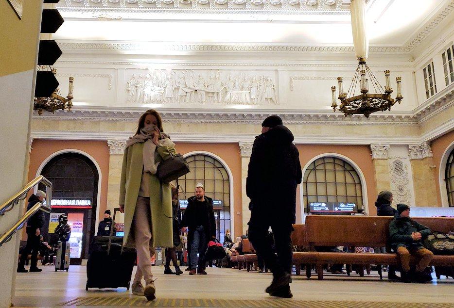 到着したサンクトペテルブルグのモスコーフスキー駅-3