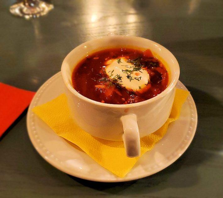 【レストラン】L. Brik Restaurant店内で出てきたボルシチ