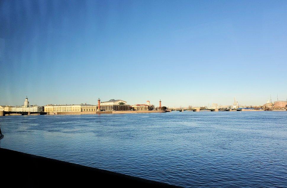 ネヴァ川沿いに見える景色