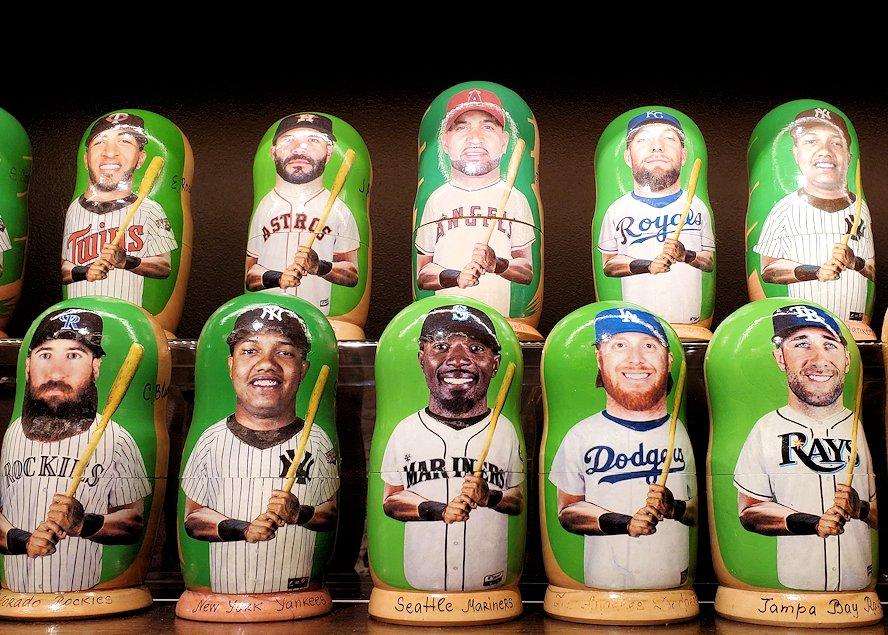 「Pushkin Art Gallery」に置かれていた、MLB選手デザインのマトリョーシカ-1