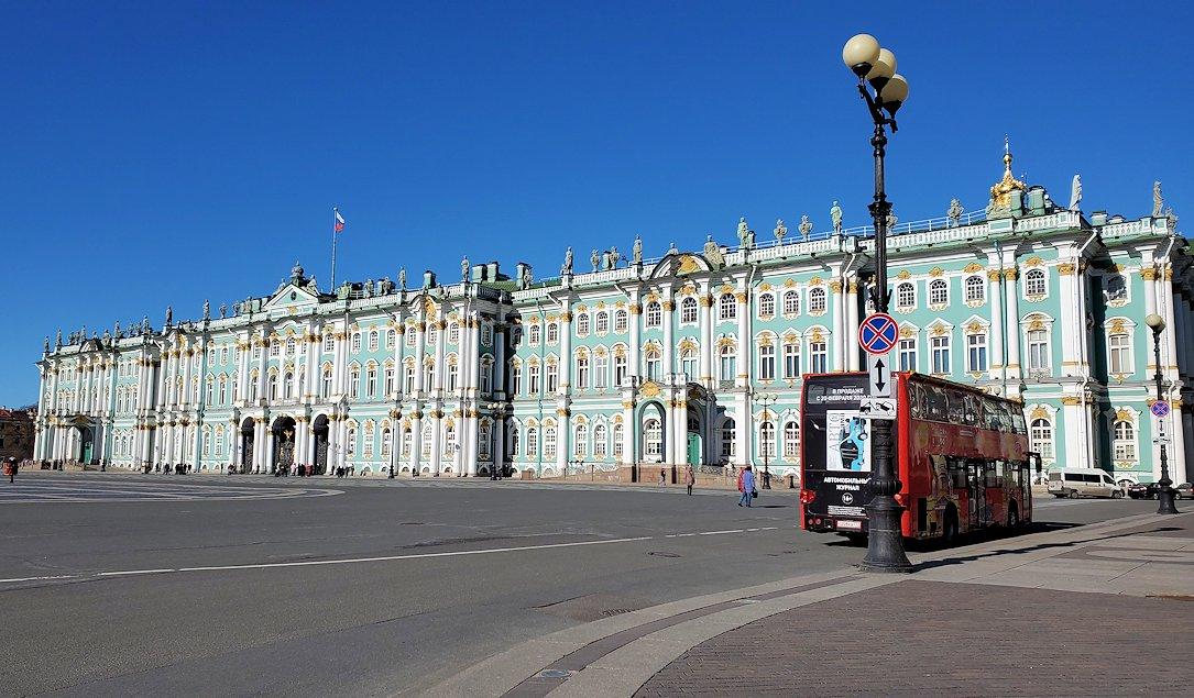 サンクトペテルブルクで「冬宮殿」とも呼ばれるエルミタージュ美術館