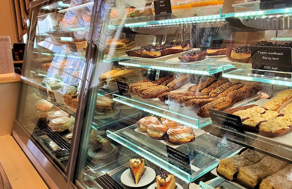 エルミタージュ美術館1階にあるカフェに置かれていたケーキ-1