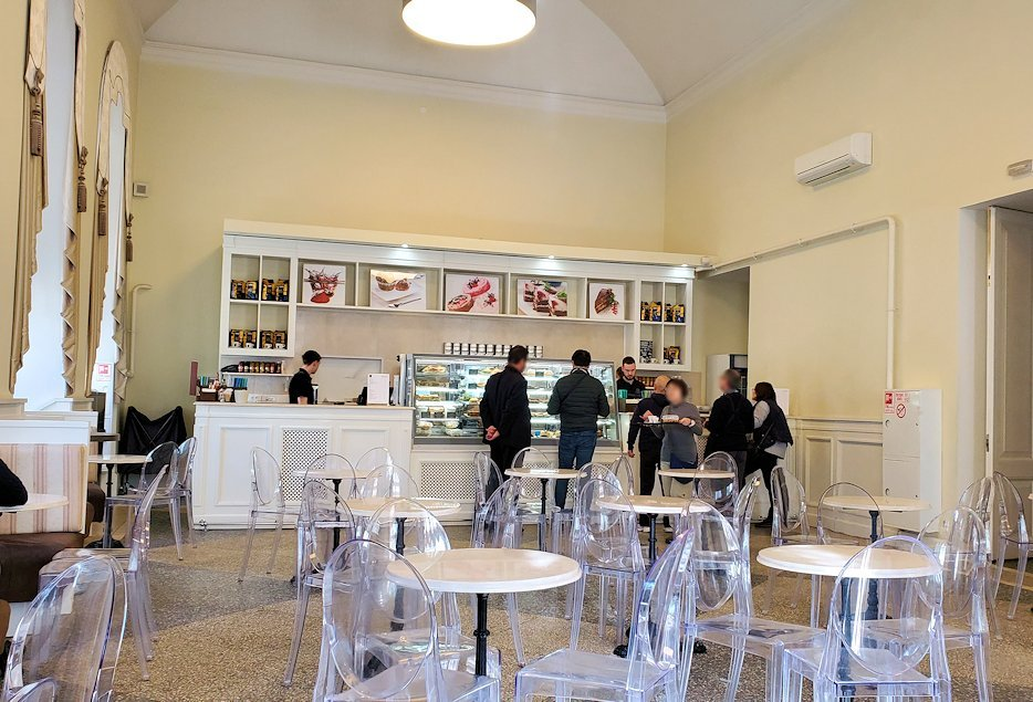 エルミタージュ美術館1階にあるカフェの様子