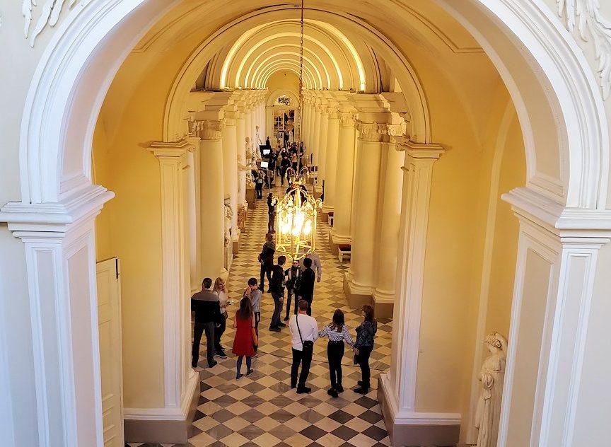 エルミタージュ美術館の1階廊下