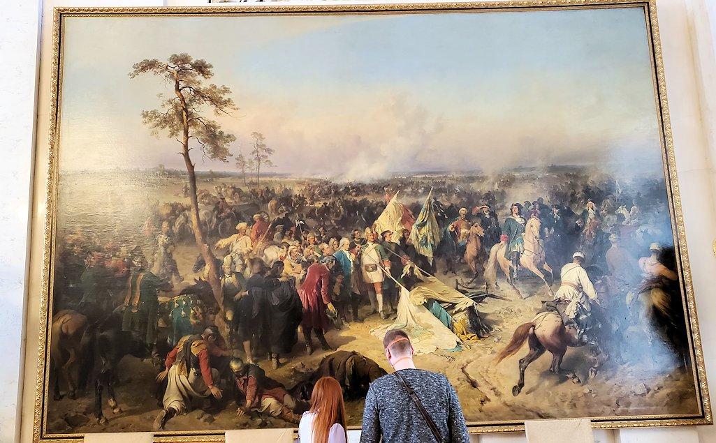 エルミタージュ美術館2階の「元帥の間」に飾られている、戦争の絵画
