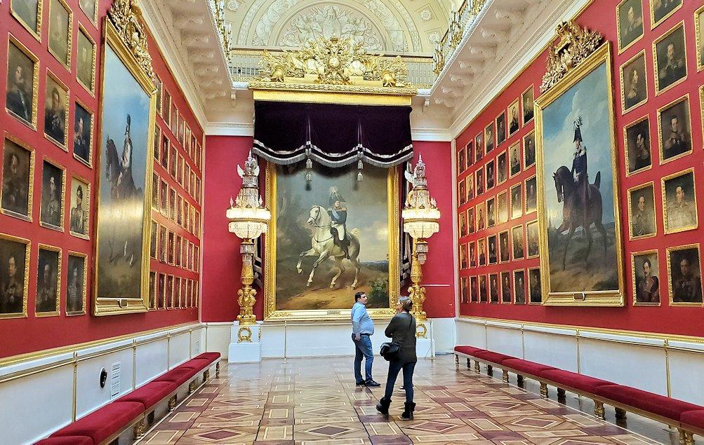 エルミタージュ美術館2階の「1812年祖国戦争ギャラリー」に入る
