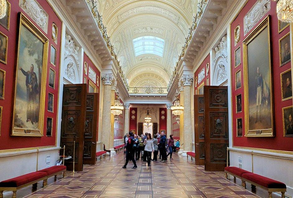 エルミタージュ美術館2階の「1812年祖国戦争ギャラリー」を見学