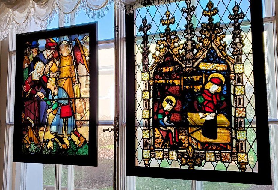 エルミタージュ美術館の「15~16世紀のネーデルランドの間」に飾られているステンドグラス-2
