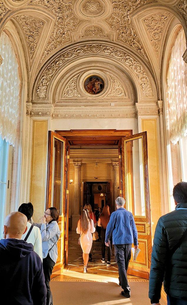 エルミタージュ美術館内の通路