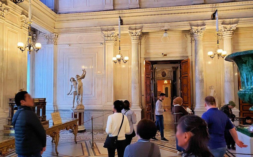 エルミタージュ美術館の「会議の階段」