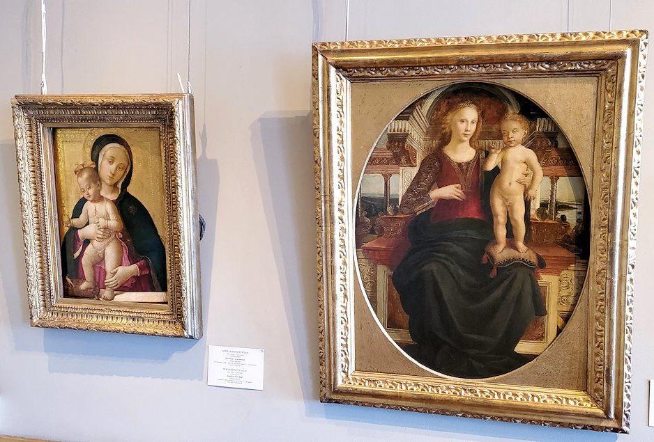 左:『聖母子』(Madonna and Child) by ベルナルディーノ・フンガイ(Bernardino Fungai) 右:『聖母子』(Madonna and Child) by アンドレア・デル・ヴェロッキオ工房(Andrea del Verrocchio-school)