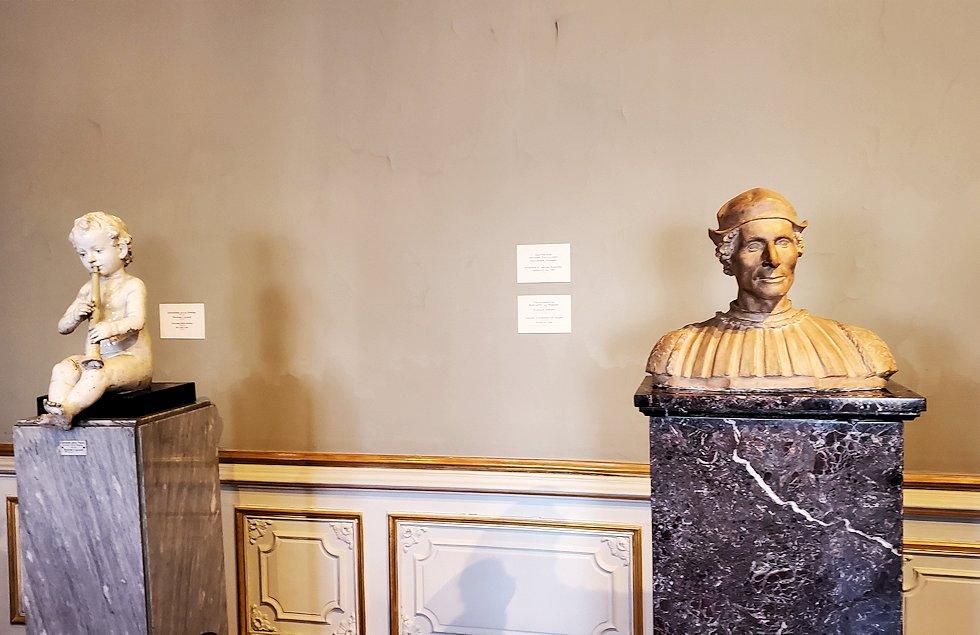 エルミタージュ美術館に飾られている像