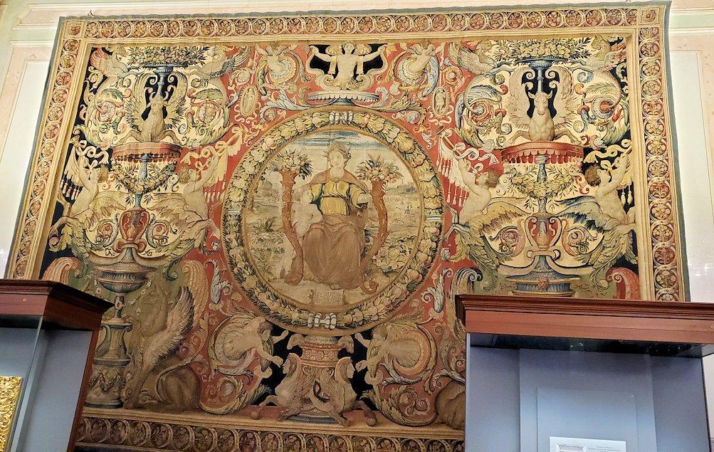 「レオナルド・ダ・ヴィンチの間」に飾られているたタペストリー