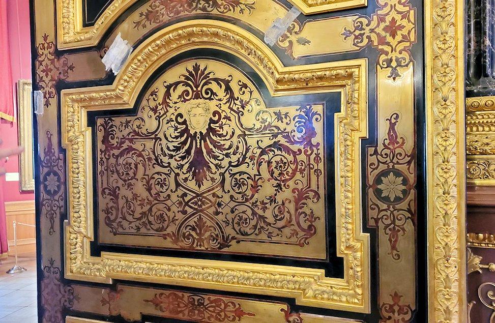 「レオナルド・ダ・ヴィンチの間」の扉