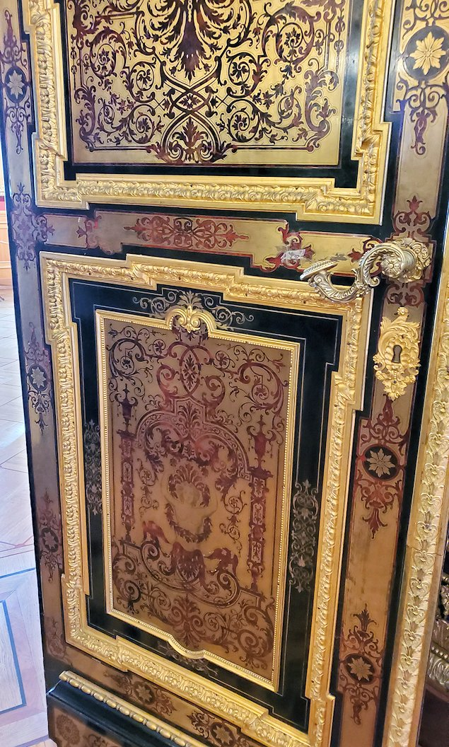「レオナルド・ダ・ヴィンチの間」の扉-1