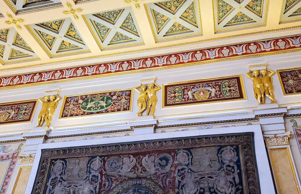 エルミタージュ美術館にある「ラファエロの間」に飾られている装飾