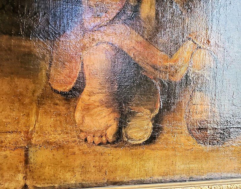 『放蕩息子の帰還』 (Return of the Prodigal Son) by レンブラント・ファン・レイン(Rembrandt van Rijn)で放蕩息子の足元