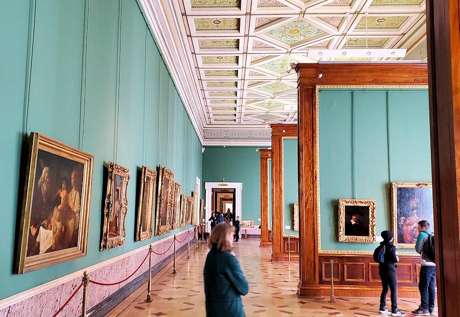 エルミタージュ美術館の「レンブラントの間」