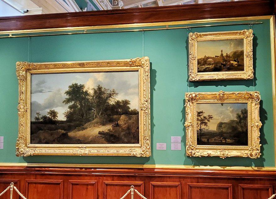 エルミタージュ美術館の「17世紀オランダ美術の間」に飾られている絵画