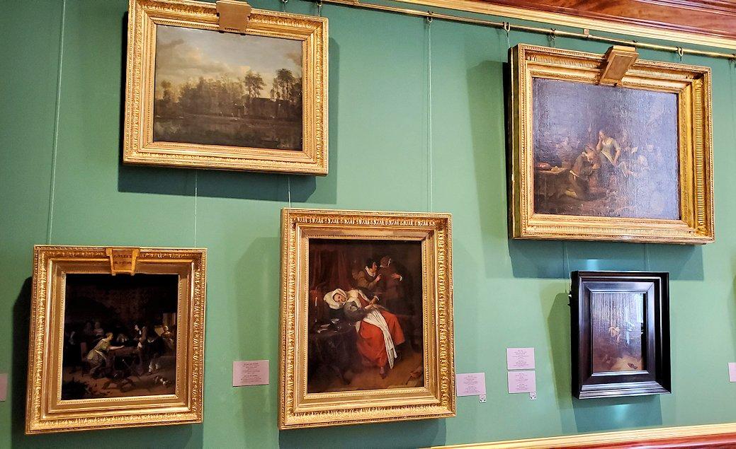 エルミタージュ美術館の「17世紀オランダ美術の間」に飾られている絵画-3