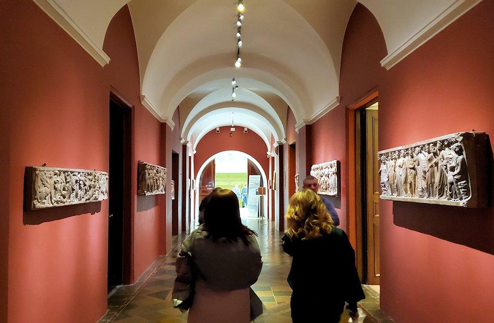 エルミタージュ美術館で「エジプト展」を見て回る-2
