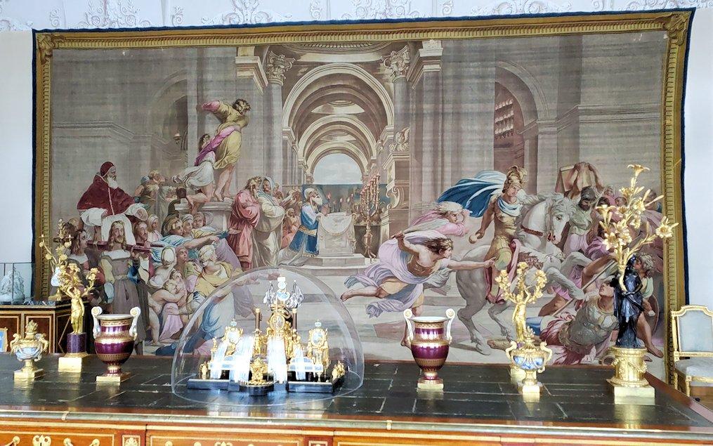 『神殿から放逐されるヘリオドロス』 (Tapestry:the Expulsion of Heliodorus from the Temple) by フランス・パリ
